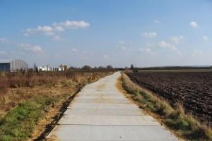 Droga zpłyt drogowych - budowa Jasienica